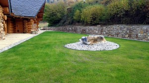 Zahrada kolem srubu W-GARDEN-Realizace zahrad0012