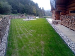 Zahrada kolem srubu W-GARDEN-Realizace zahrad0023