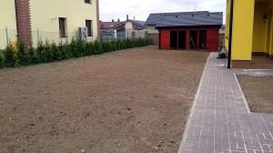 Nová zahrada-pokládka travního kobrce W-GARDEN-Realizace zahrad0004