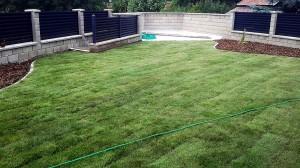 Pokládka travního koberce-W-GARDEN-Realizace zahrad0005