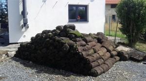 Pokládka travního koberce-W-GARDEN-Realizace zahrad0014