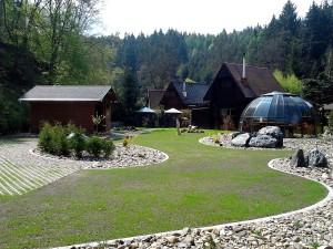 Zahradní domek, parkovací stání překrásná zahrada-W-GARDEN-Realizace zahrad0086