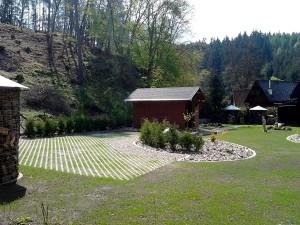 Zahradní domek, parkovací stání překrásná zahrada-W-GARDEN-Realizace zahrad0087