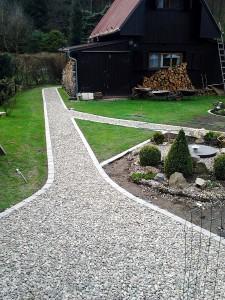 Zahradní domek, parkovací stání překrásná zahrada-W-GARDEN-Realizace zahrad0093