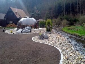 Zahradní domek, parkovací stání překrásná zahrada-W-GARDEN-Realizace zahrad0098