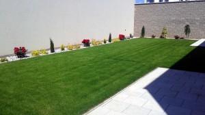 Výsadba okrasných dřevin a travního koberce-W-GARDEN-Realizace zahrad0009