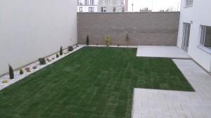 Výsadba okrasných dřevin a travního koberce-W-GARDEN-Realizace zahrad0020